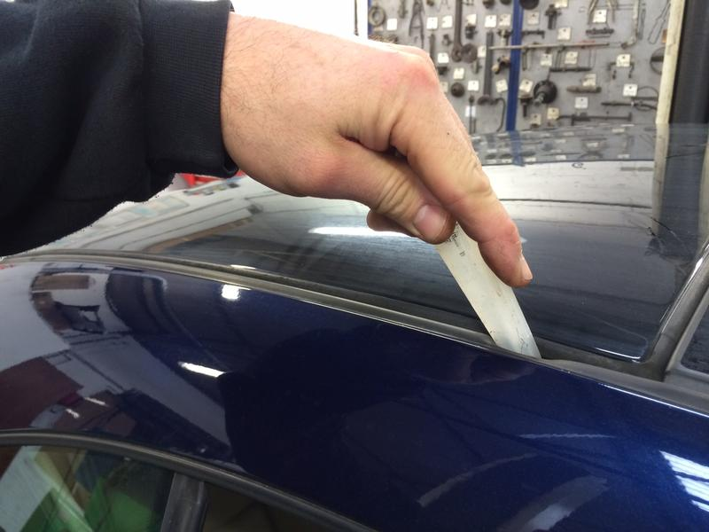 Lubricating The Roof Seals On A Vw Eos